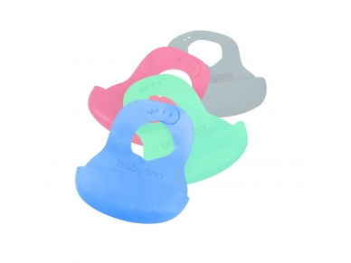 Soft baby bib with adjustable lock 2